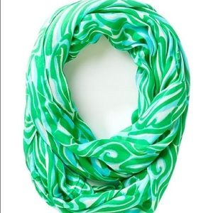 Lilly Pulitzer Riley Infinity Scarf Finders Keeper